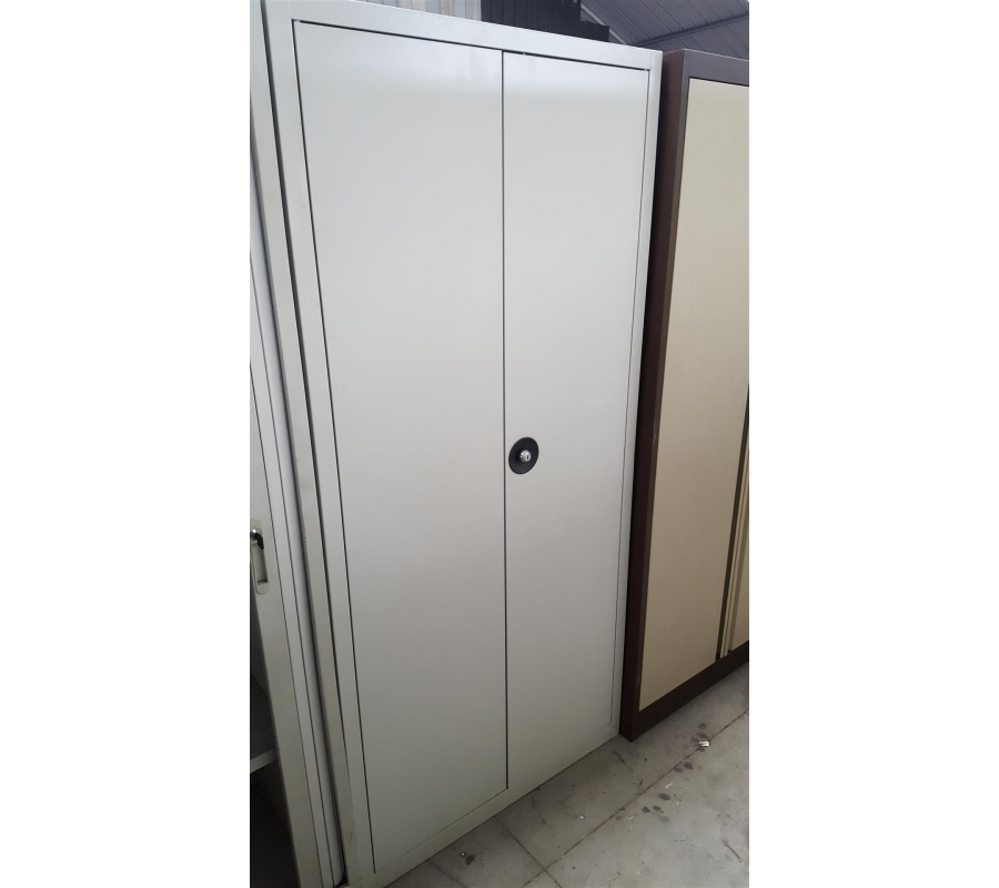 Armoire m tallique grise 2 portes for Armoire metallique 2 portes