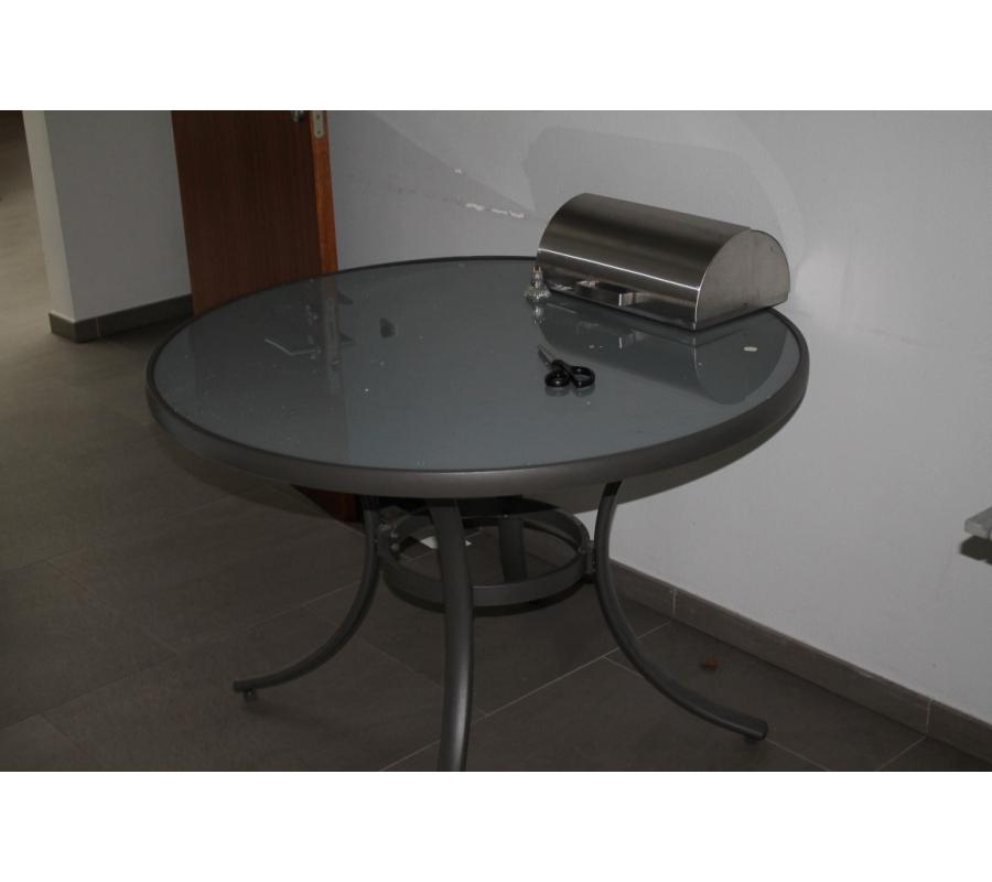 Lot de tables chaises pliantes compos de for Petites tables pliantes