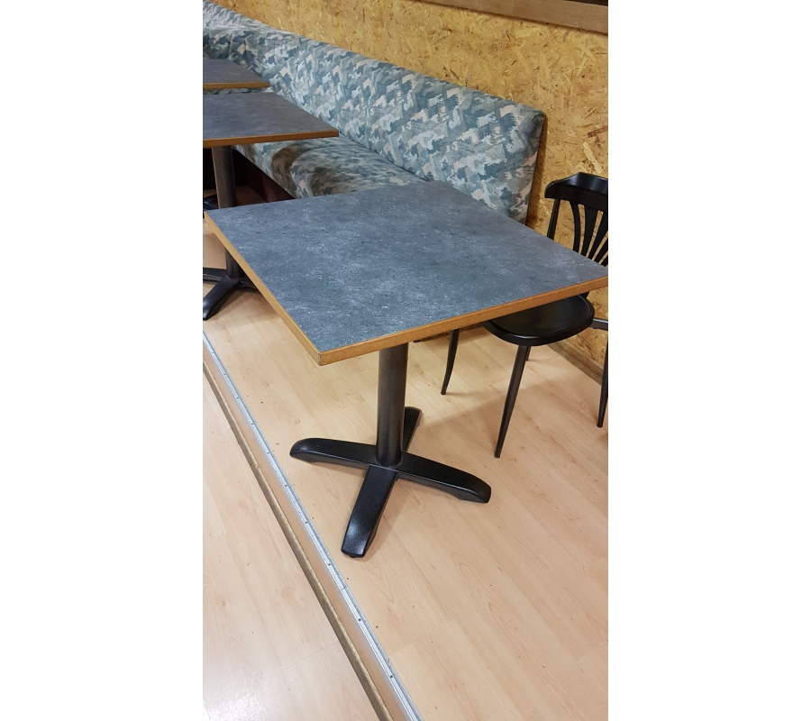 lot de 11 tables carr es tablier brun. Black Bedroom Furniture Sets. Home Design Ideas
