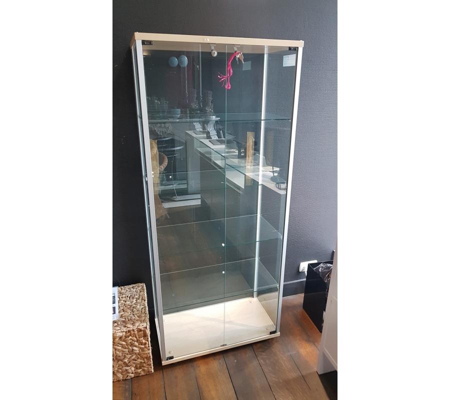 vitrine en verre 2 portes. Black Bedroom Furniture Sets. Home Design Ideas