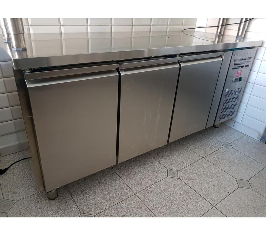 frigo inox 3 portes 70x180cm. Black Bedroom Furniture Sets. Home Design Ideas
